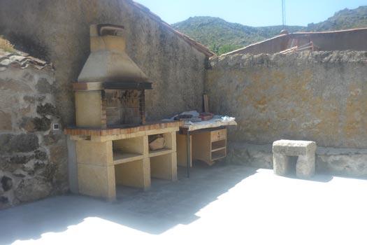 Casa rural la fortaleza de riofr o riofrio vila espa a casas rurales apartamentos rurales - Casas rurales en avila baratas ...