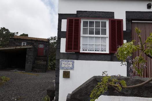 Casa rural cantinho do c u sao roque do pico isla del - Casas rurales portugal ...