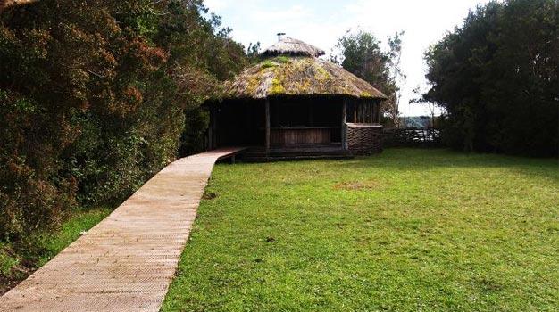 Espejo de luna lodges queilen chilo chile casas - Casas rurales portugal ...