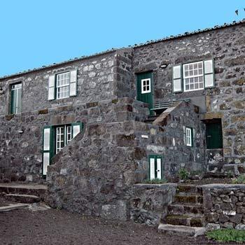 Adegas do pico sao roque do pico isla del pico azores - Casas rurales portugal ...