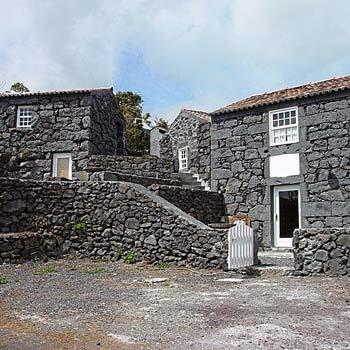 Adegas do pico sao roque do pico isla del pico azores - Casas rurales escocia ...