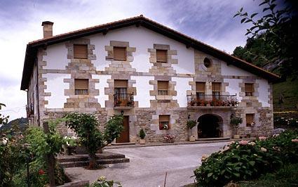 Casa rural ibarre antzuola guipuzcoa espa a casas - Casas rurales portugal ...