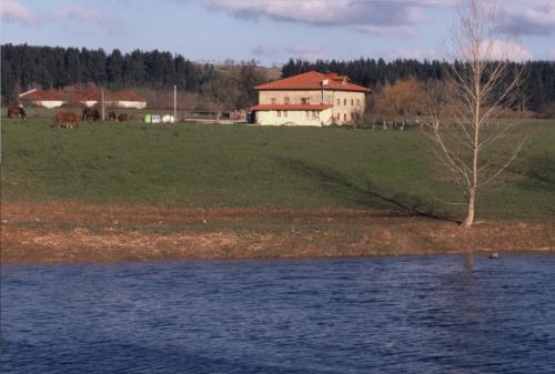 Casa rural bentazar legutio alava espa a casas rurales - Casas rurales escocia ...