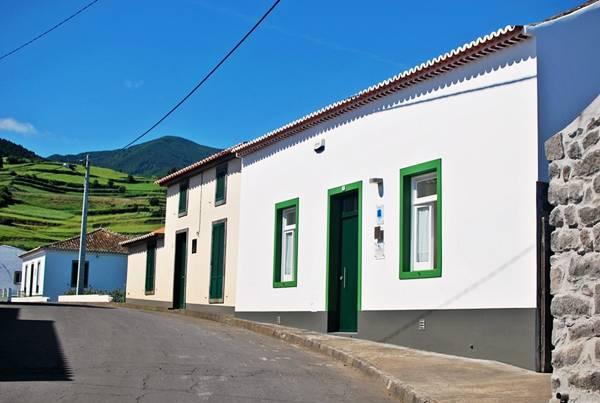 Tradicampo casas do patio nordeste isla de san miguel - Casas rurales portugal ...